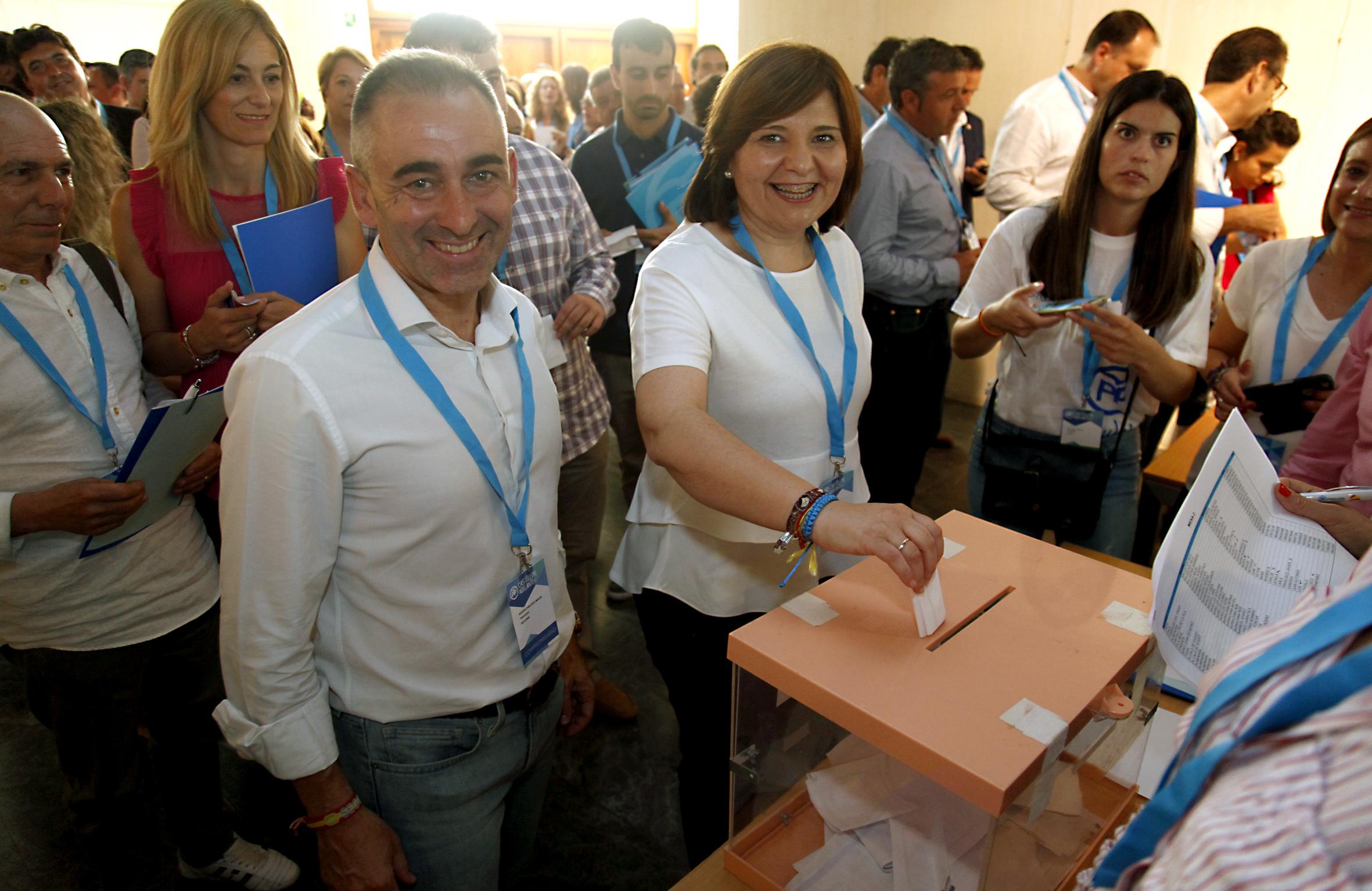Barrachina se suma al proyecto de Isabel Bonig por el cambio en la Generalitat