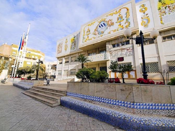 José Martí reafirma la apuesta de la Diputación por la cerámica artística con el patrocinio del Concurso Internacional de l'Alcora