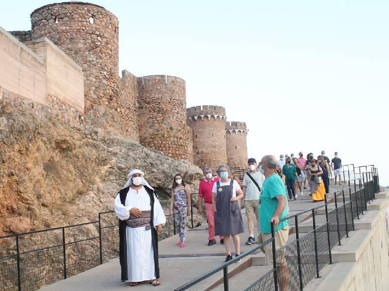 Centenares de visitantes  se citan en Onda en el ciclo 'Un Estiu al Castell'