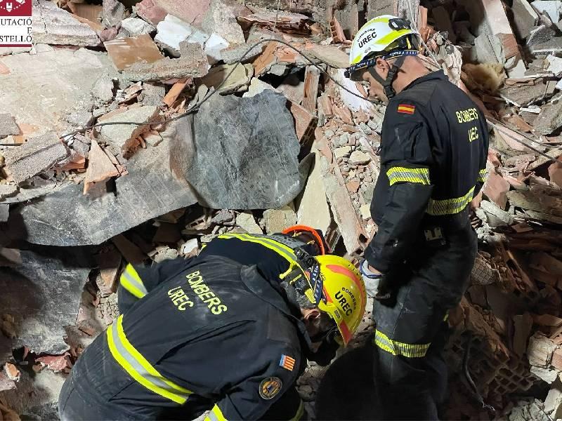 Encontrado el cadáver de un menor entre los escombros del edificio derrumbado en Peñíscola