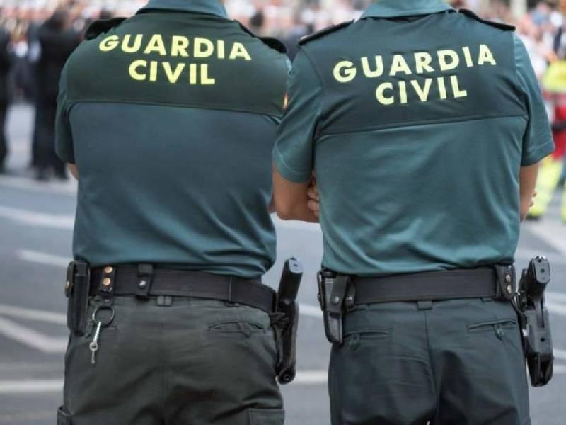 La Guardia Civil detiene a tres personas por el robo con violencia por el procedimiento del tirón a una mujer de edad avanzada en Vinaròs