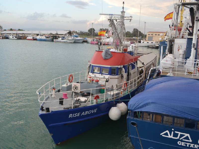 Llega a Burriana otro de los barcos dedicados a rescatar inmigrantes ilegales en el mar
