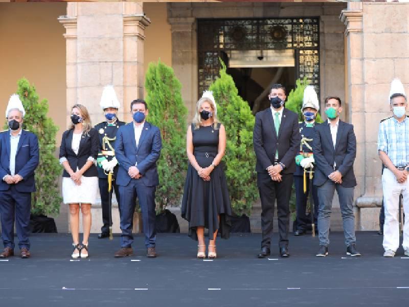 Castellón recuerda a las víctimas de la covid-19 y rinde homenaje a los sectores esenciales
