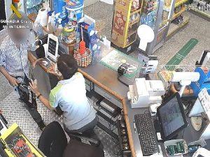La Guardia Civil de Castellón impide la huida a Francia de un atracador de gasolineras