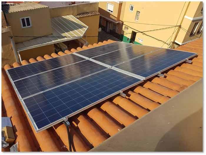 El ayuntamiento de La Vall regulará la instalación de centrales fotovoltaicas y eólicas
