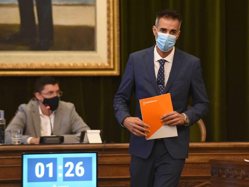 Esteban Ventura pide a Ruiz que vele por la igualdad de todos porque la libertad de unos no puede coartar ni herir la de otros