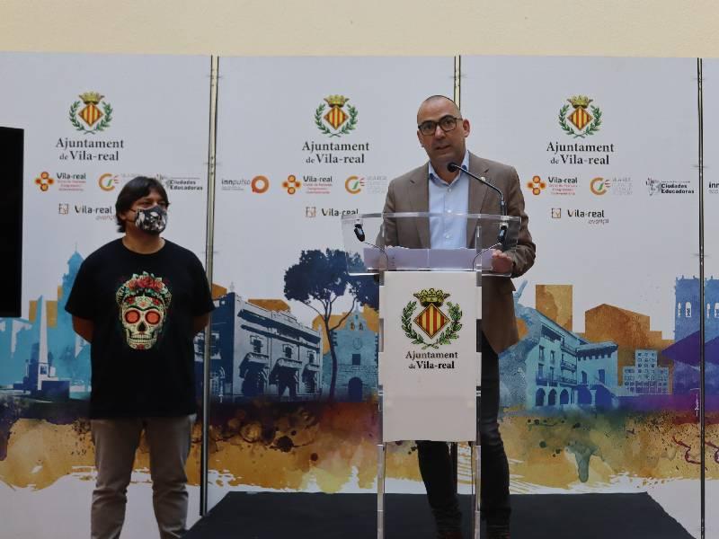 El Ayuntamiento instalará placas fotovoltaicas en once colegios de la localidad