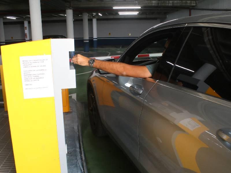 Onda reparte 7.200 tickets a los comercios locales canjeables por una hora gratuita en el parking de la plaza España