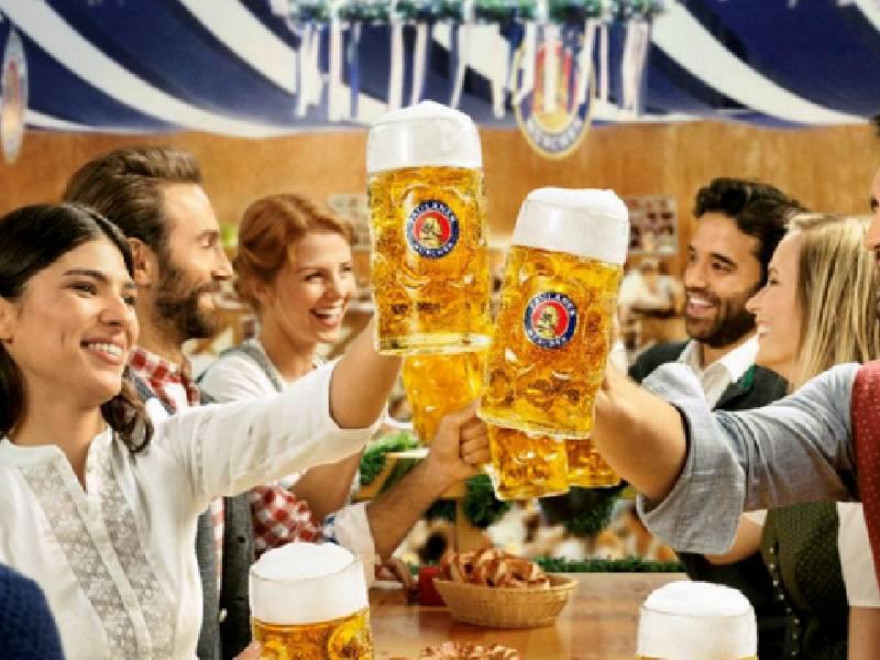 La Oktoberfest encara su recta final con una oferta completa de música y gastronomía