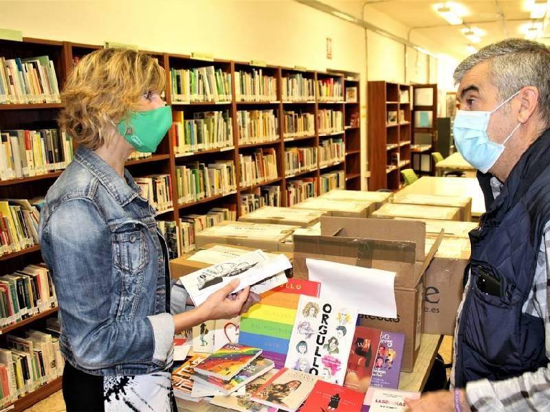 La Justicia obliga al Ayuntamiento a retirar unos libros con perspectiva LGTBI entregados a los institutos