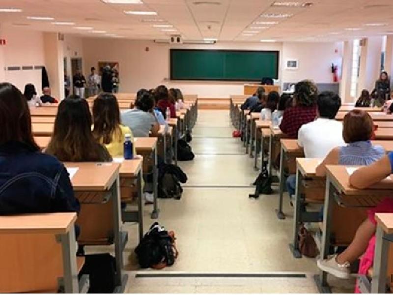 La Conselleria de Educación ofertará 2.500 plazas docentes de ingreso libre a partir del 11 de junio de 2022