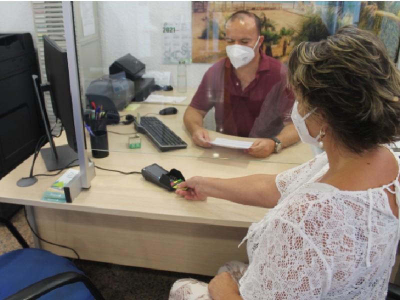 El Ayuntamiento de Benicàssim facilita el pago telemático y con tarjeta a sus vecinos