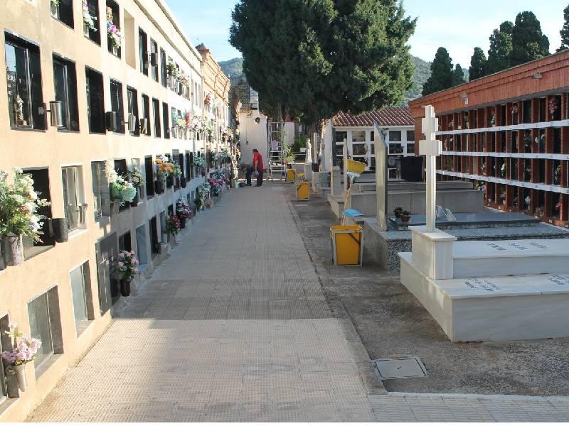 Benicàssim dispondrá de un servicio especial de transporte adaptado para ir al cementerio el día 1
